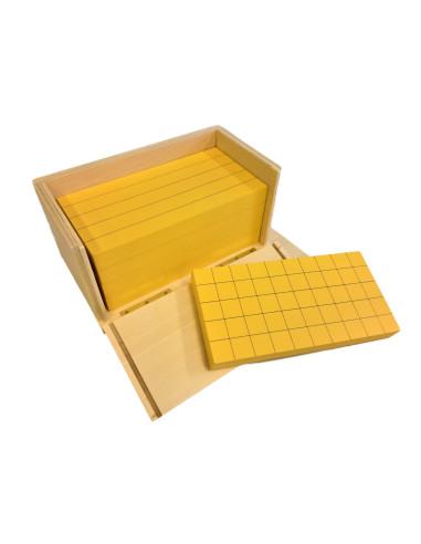 5 żółtych graniastosłupów z podziałką