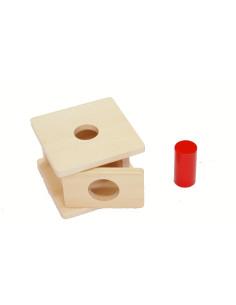 Drewniane pudełko dla malucha z małym cylindrem