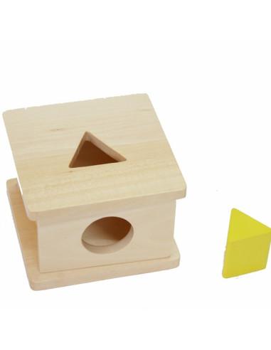 Drewniane pudełko dla malucha z trójkątem